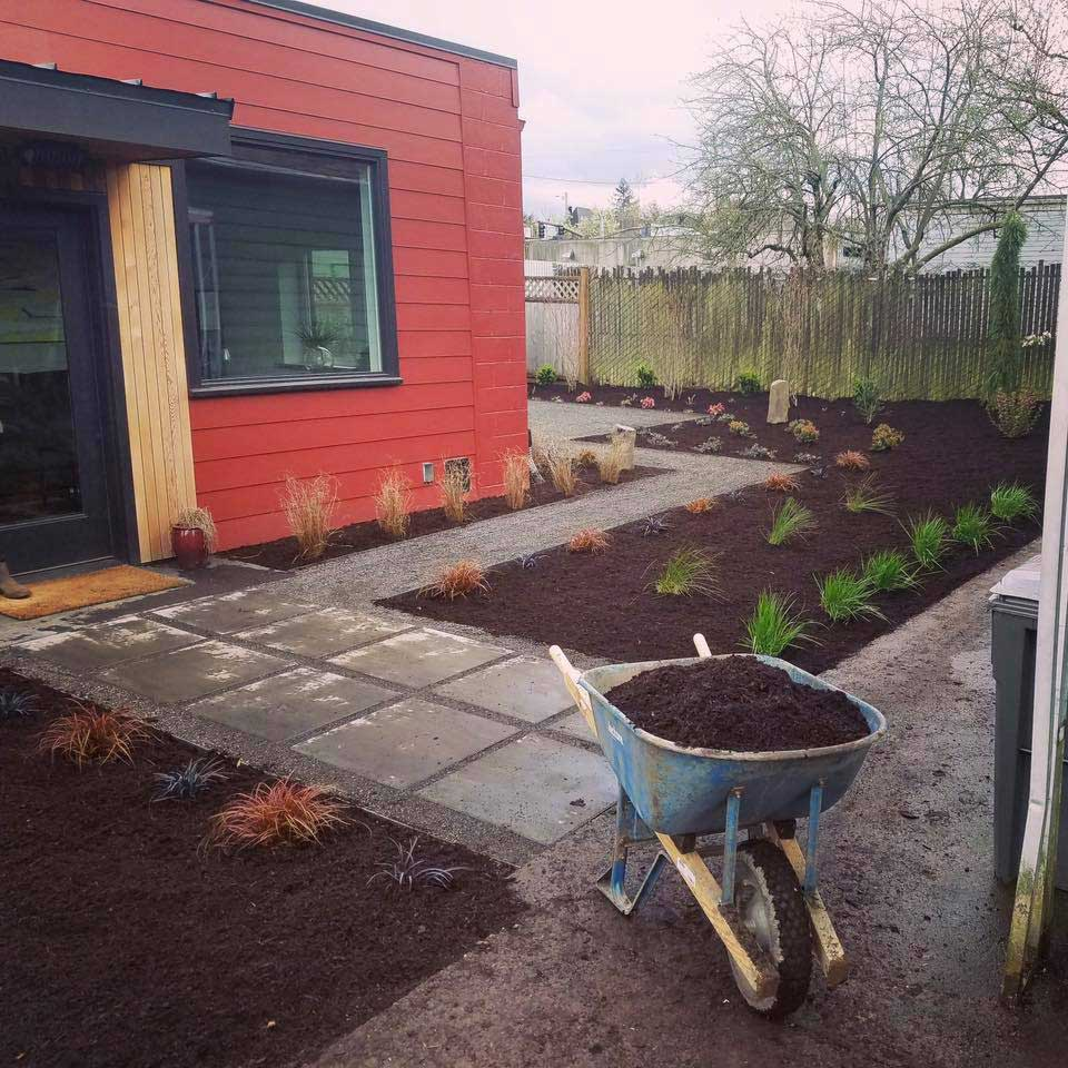 The Green Seed, Sustainable design and build, Hardscapeing, Planting